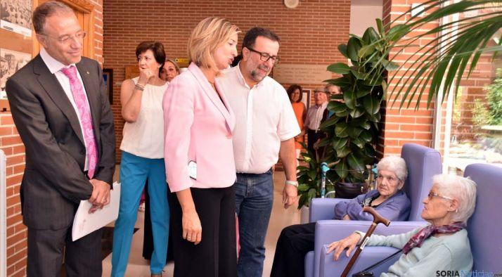 García, en su visita a la residencia./Jta.