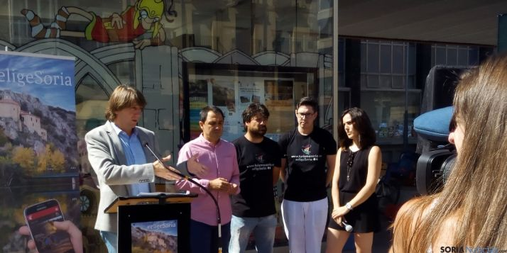 La presentación de la nueva web en Mariano Granados. / SN