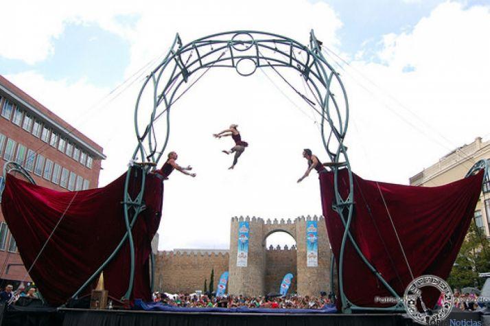 Actuación de Cir¬co en Ávila.