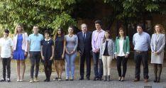 Herrera, con alumnos acreedorres de los Premios Nacionales y Extraordinarios de ESO, FP y Bachillerato. / SN