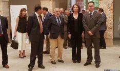 La consejera con el alcalde burgense (dcha.) este viernes en el centro San Agustín. / SN