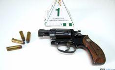 El arma y su munición. /Subdelg.