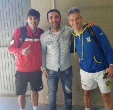 Miguel Lamperti y Franco Stupaxzul, jugadores profesionales de pádel.
