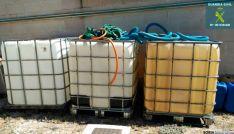 Depósitos con gasóleo recogidos por la Guardia Civil (Langa de Duero, Soria).