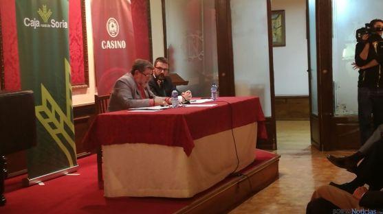 De Marco durante su charla en el Casino. SN