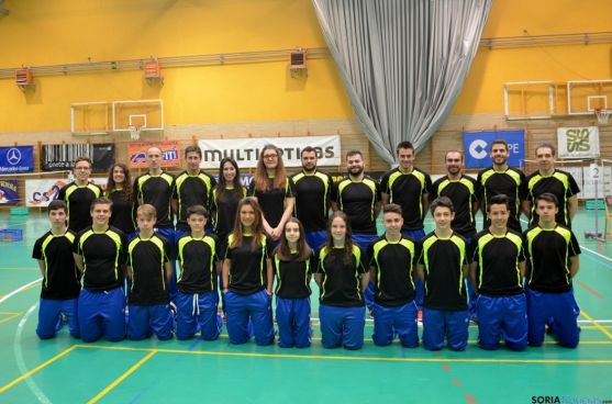 Imagen de los jugadores del Club Badminton Soria.