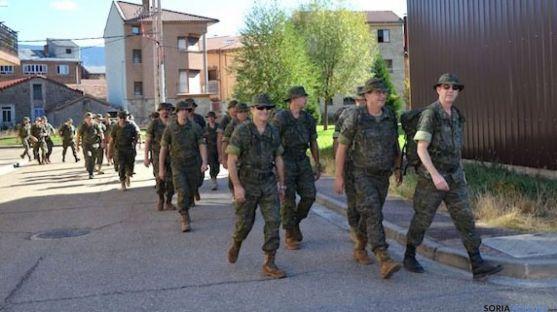 Miembros de las FAS en Pinares. / PN