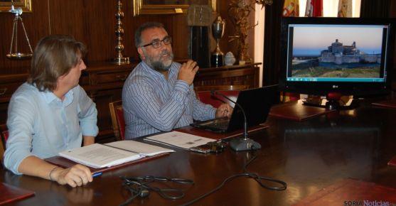 Martínez (izda.) y Cobos, este viernes presentando el proyecto. / SN