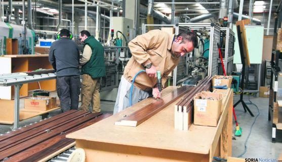 Imagen del interior de la factoría pinariega. / SN