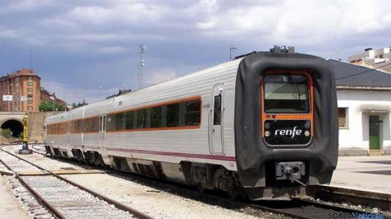Imagen del tren en la Estación de El Cañuelo