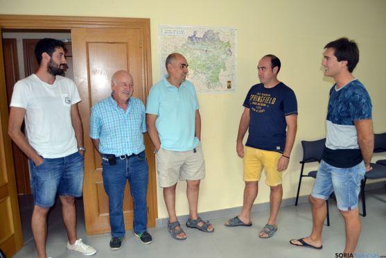 Representantes de las asociaciones de Fuentetovar y Velamazán. /SN