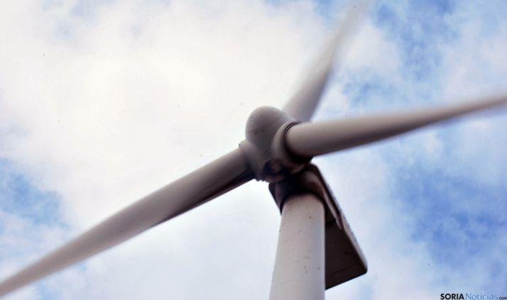 Un aerogenerador en la provincia de Soria. / SN