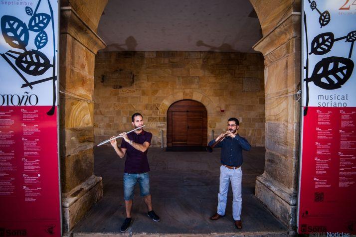 Alejandro Delgado y Gabriel Atienza frente al Palacio de la Audiencia./David Almajano