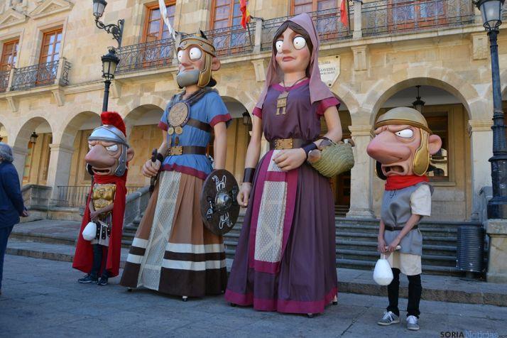 Nuevos personajes de la Comparsa de Gigantes y Cabezudos de Soria. /SN