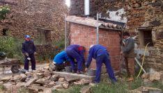 Trabajos de hacendera en Sarnago.