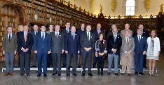 Membros de la comisión este lunes en la USAL. / SN