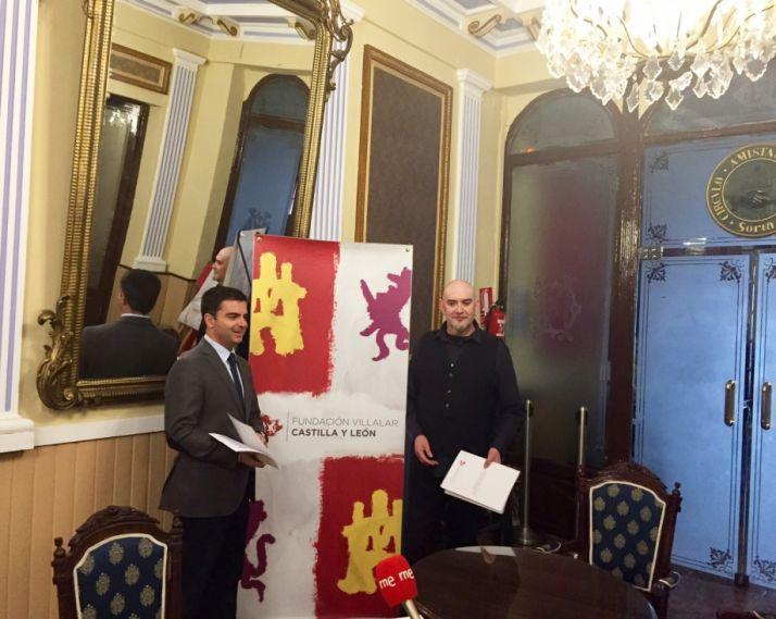 Cesar Millan en la presentación de las becas en Soria. CCYL