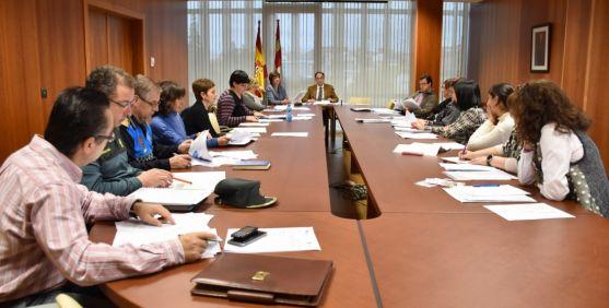Comisión Territorial contra la violencia de género reunida este viernes. / Jta.