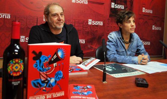 Inés Andrés y Javier Muñiz este martes en la presentación del festival. / SN