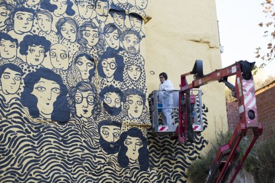 Mural de Sara Fratini, en la calle Mayor. /Ayto.