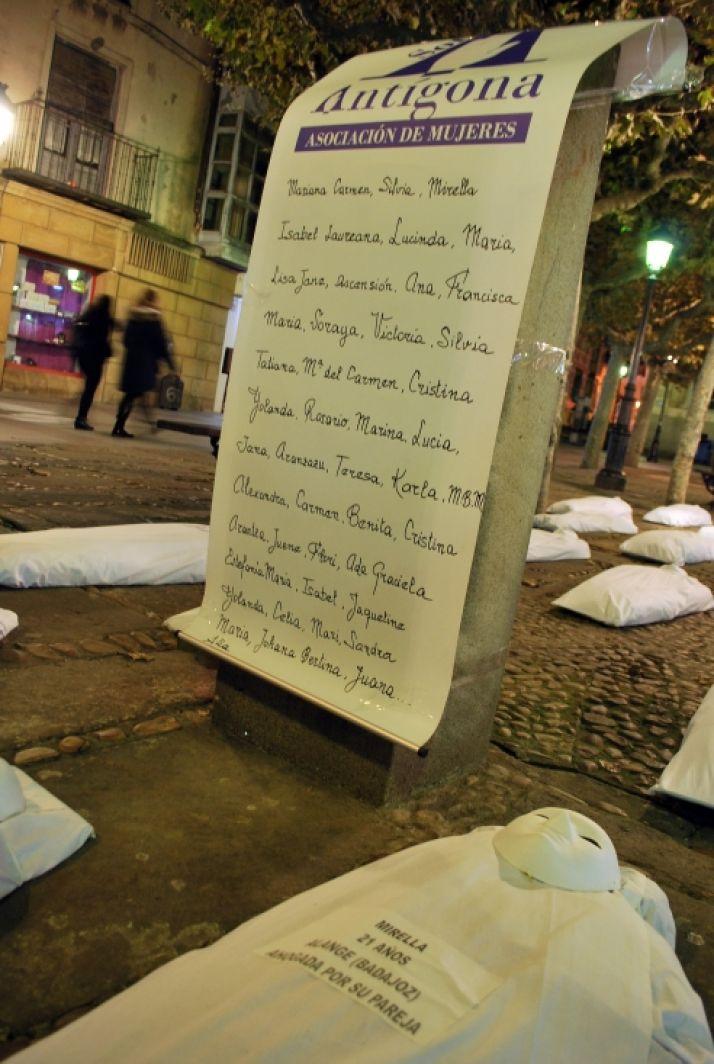 La plaza de San Esteban esta noche./SN