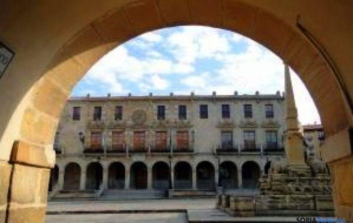 Fachada prinicipal del ayuntamiento de Soria. / SN