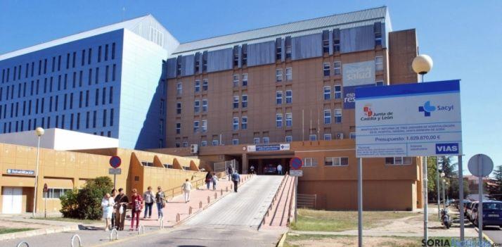 Entrada al hospital de Santa Bárbara. / SN