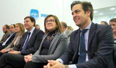Pablo Zalba (dcha.) junto a Angulo y a Fernández Carriedo este jueves. /SN