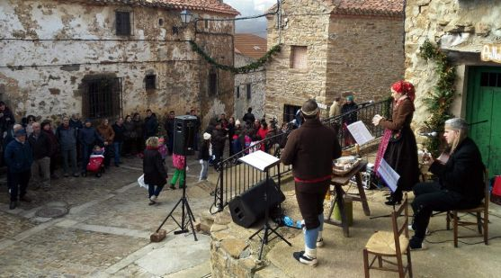 Imagen del concierto este mediodía en la localidad.