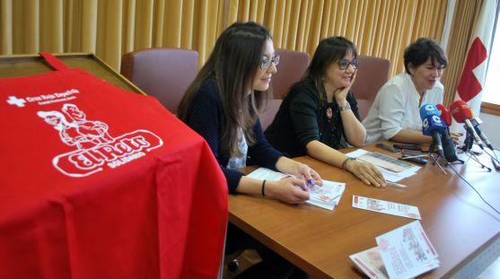 Irigoyen, (izda.), Gonzalo y Garrote en la presentación de la campaña. / SN