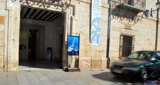 Entrada a la oficina de turismo en El Burgo de Osma. /SN