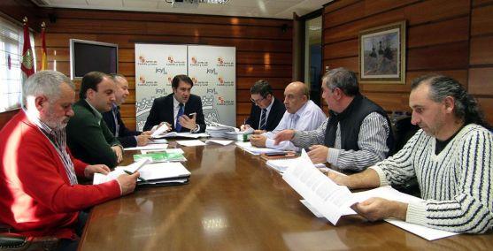Reunión de las OPAs con el consejero./Jta.