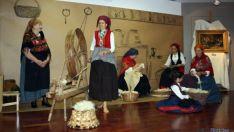 Recreación en el Museo del Traje de Morón.