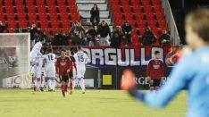 Foto 3 - El Numancia logra una primera victoria a domicilio de 'oro'