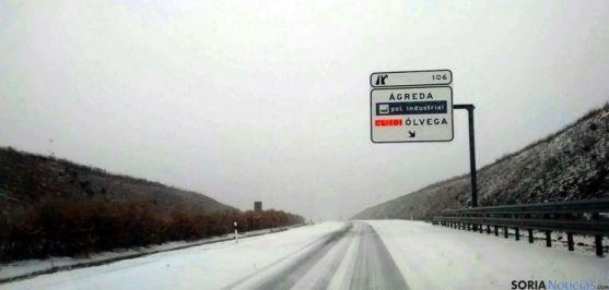 Una carretera soriana tras una nevada./SN
