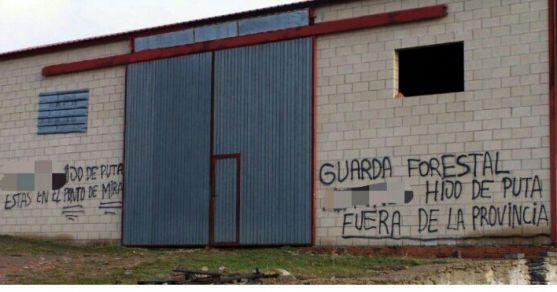 Pintada contra un guarda forestal en una localidad de la región. /CSIF