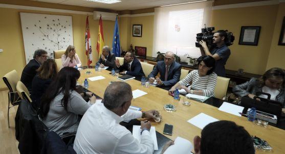 Reunión de Junta, instituciones y agentes sociales sobre el Plan de Soria. /Junta