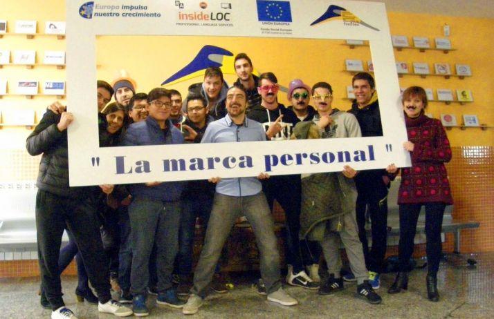 Alumnos y profesores del centro. /Jta.