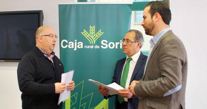 Martínez (izda.), Mugarza y Hernández en la presentación de la gala de este año. /SN