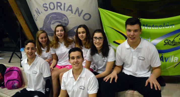 Los nadadores del club en Camargo.