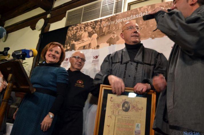 Pepe Sanz, cuando fue nombrado matancero de honor por el Virrey Palafox