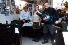 Antón, con el equipo de TVE.