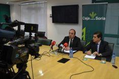 Firma convenio Apis y Caja Rural de Soria