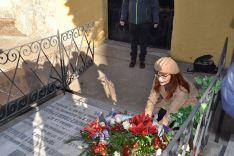 Imágenes del acto, esta mañana, en el cementerio. SN