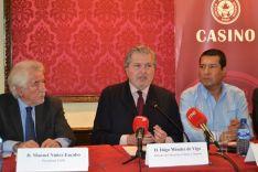 Manuel Núñez Encabo, Íñigo Méndez de Vigo y Carlos Antonio Midence.