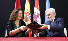 Josefa García Cirac y Darío Villanueva.