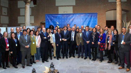Participantes en el encuentro de la FEMP.