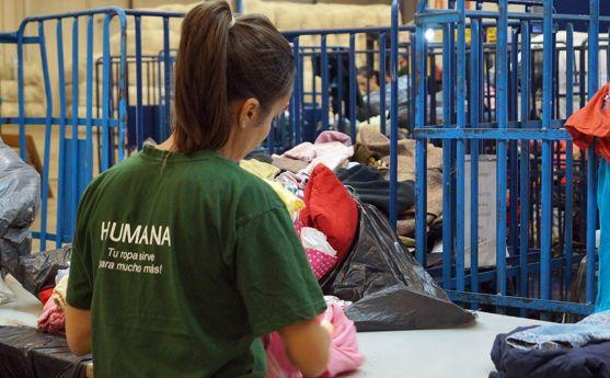 Proceso de selección de prendas. /Hunama