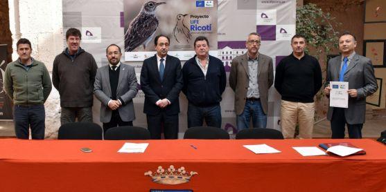 Representantes de las entidades participantes en el proyecto. /Jta.