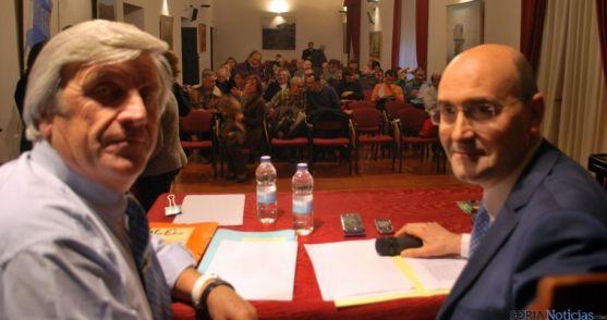 Los alcaldes de San Pedro Manrique (izda.) y Ágreda en una reunión de VertEbro. /SN
